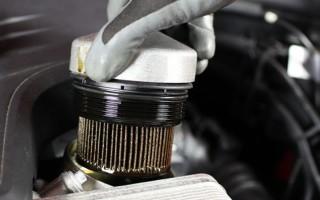 Почему не откручивается масляный фильтр, и как его можно снять