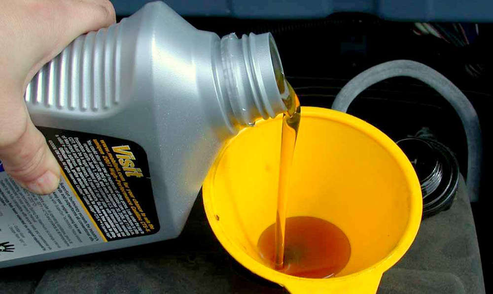 Заливаем масло